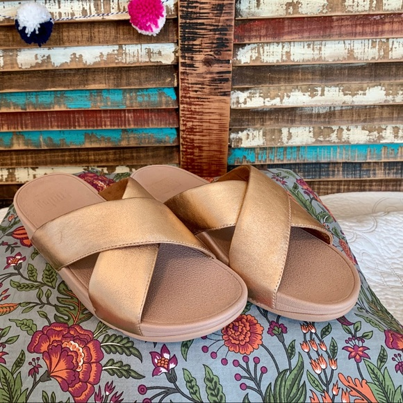 Fitflop Shoes - NEW Fitflop Lulu Cross Rose Gold Leather Slides 8